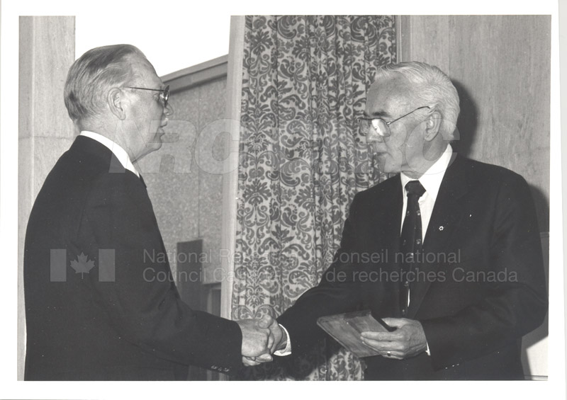 25 Year Service Plaque Presentations May 1985 012