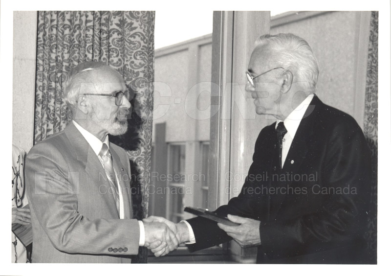 25 Year Service Plaque Presentations May 1985 028