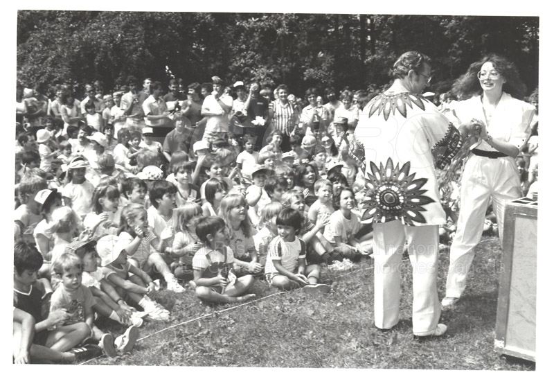 NRC Employees' Picnic Vincent Massey Park 1984 003