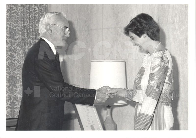 Red Cross Blood Donor Award to NRC 1985 002