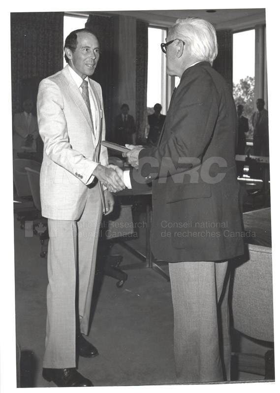 25 Year Service Plaques Presentations 1981 075