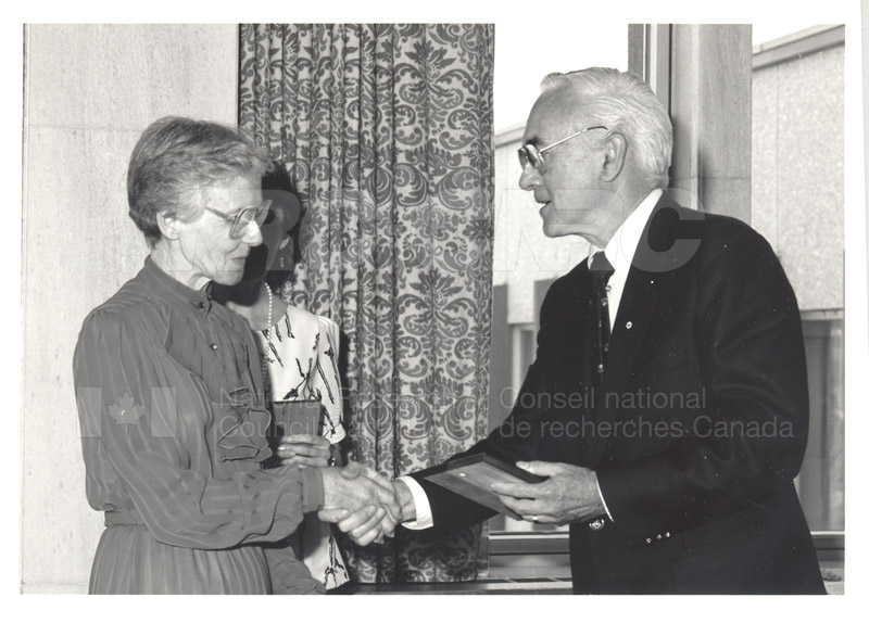 25 Year Service Plaque Presentations May 1985 007