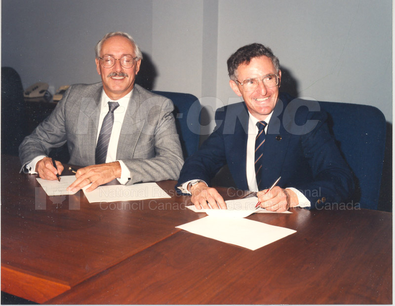 The MOU between the NRC and the Association of Provincial Research Organizations November 23 1992 003