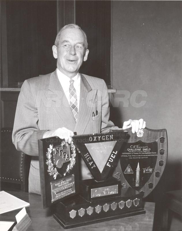Presentation of Awards for Fire Prevention Contest Winner NRC, Dr. Steacie, J. Elliott 1961, 1962 001