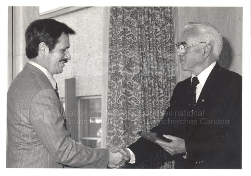 25 Year Service Plaque Presentations May 1985 020