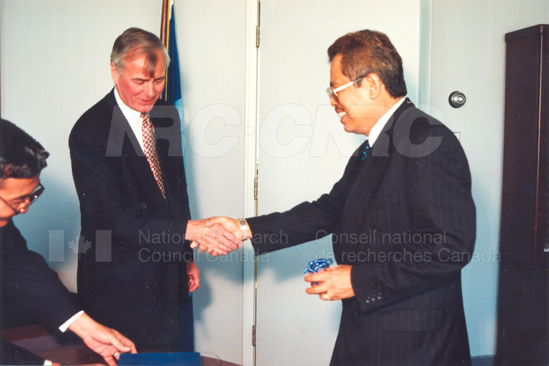 Agreement Signing Indonesian Institute of Sciences 10 Sept. 1997 003