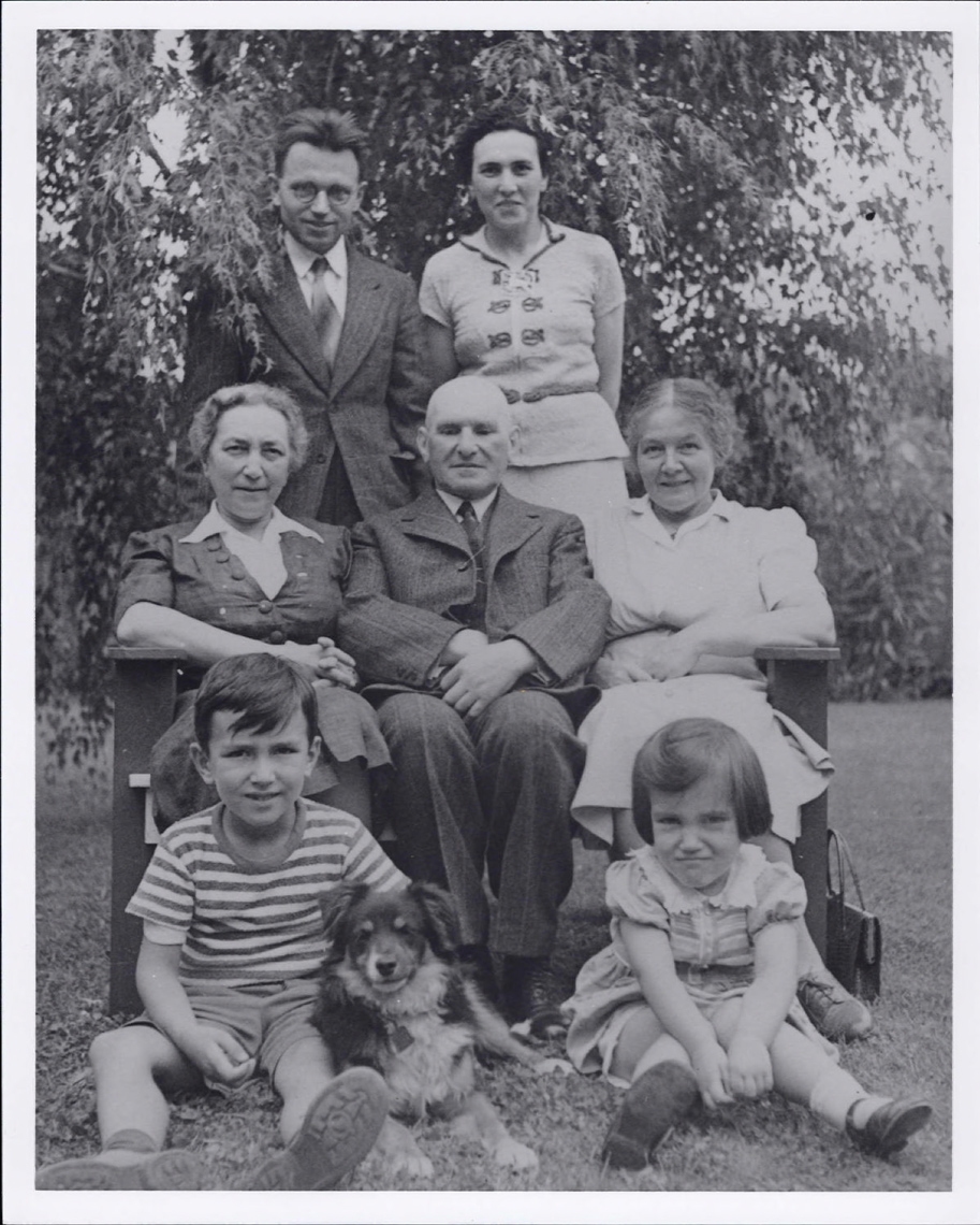 Tab 1: Gerhard Herzberg with family in Saskatoon c.1939