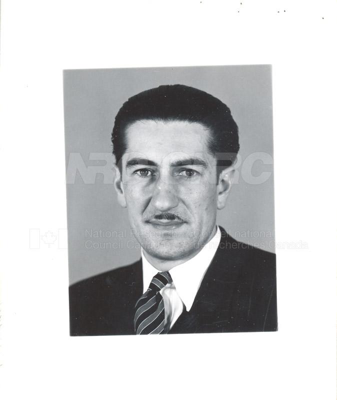 V c.1948-54 002