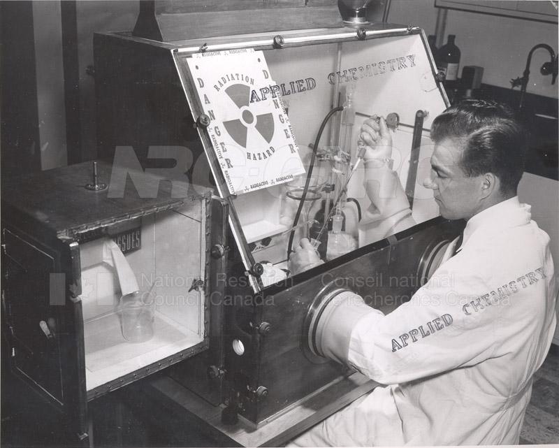 Dry Box for Handling- Radioactive Phosphorus June 1955
