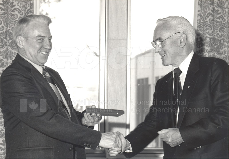 25 Year Service Plaque Presentations May 1985 024