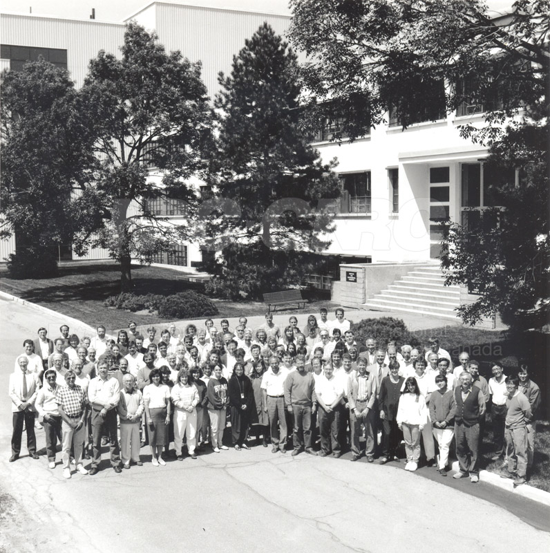 Group Photo- Institute of Environmental Chemistry 1990s 002