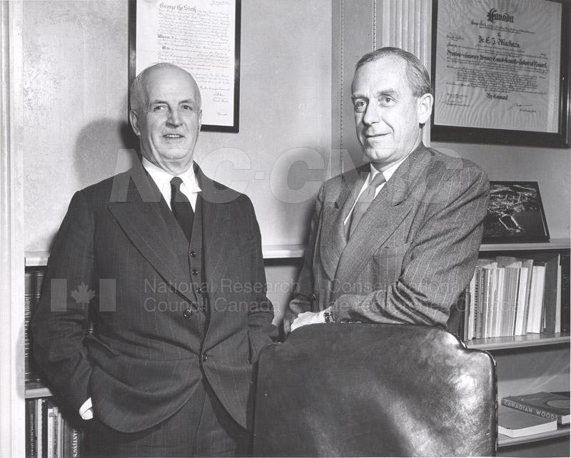 Atomic Energy Canada E.W.R. Steacie w. C.J. MacKenzie 1952 005
