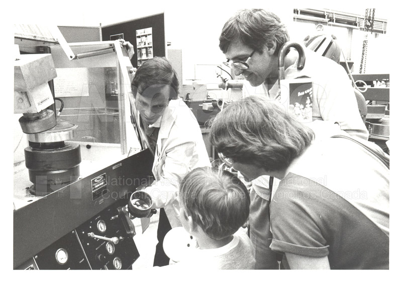 NRC Open House- Physics (M36) 1984 002