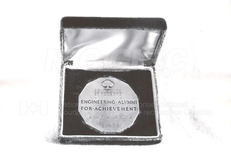 Engineering Alumni Achievement Award U. of T. given to Mr. Parkin 1951 001