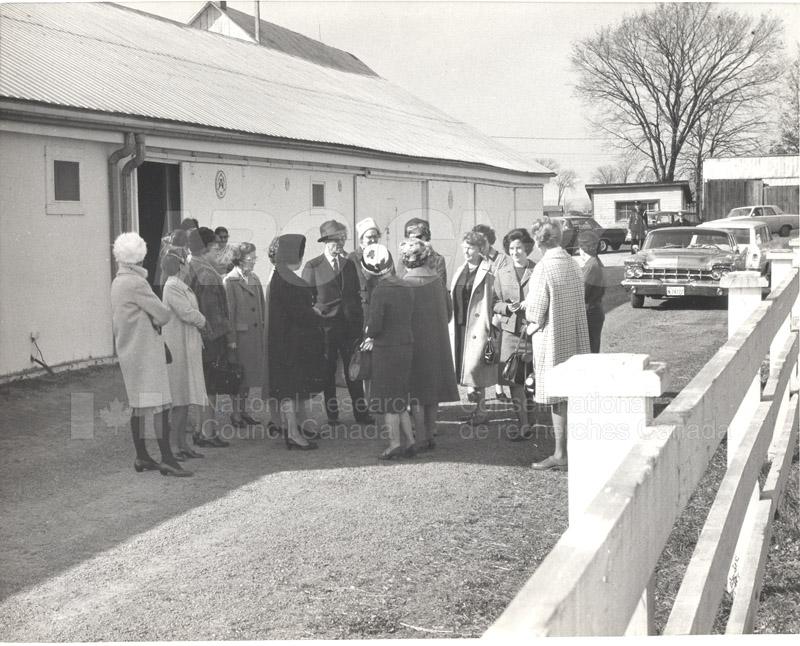 Scientists' Wives' Assn.-NRC Women's Assn. n.d., 1975 006