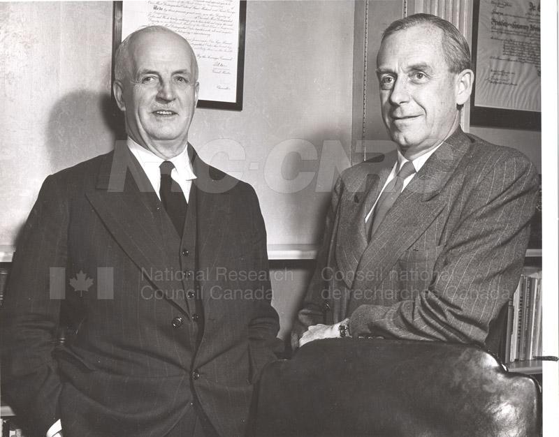 Atomic Energy Canada E.W.R. Steacie w. C.J. MacKenzie 1952 001