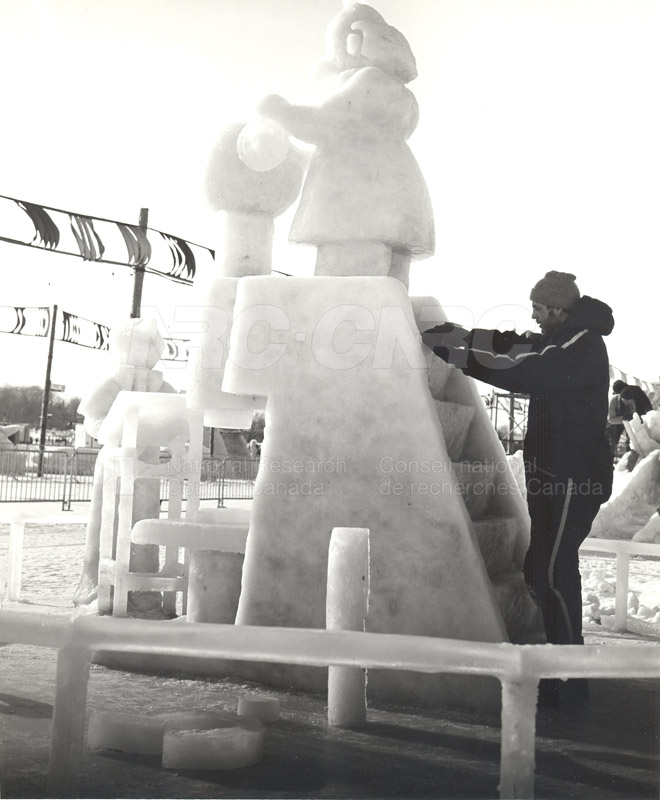 Other Winterlude Snow Sculptures 009