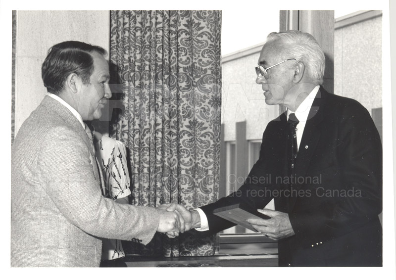 25 Year Service Plaque Presentations May 1985 006