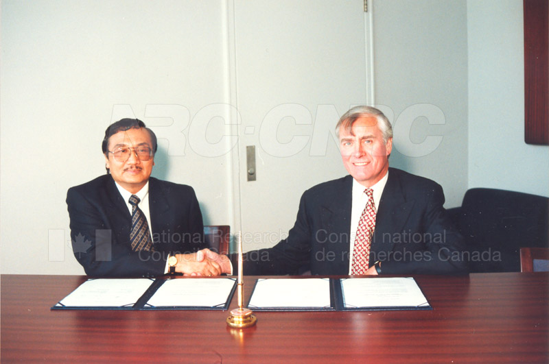 Agreement Signing Indonesian Institute of Sciences 10 Sept. 1997 007