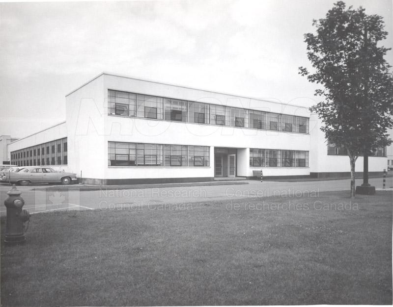 Montreal Road Buildings M21, M22 004