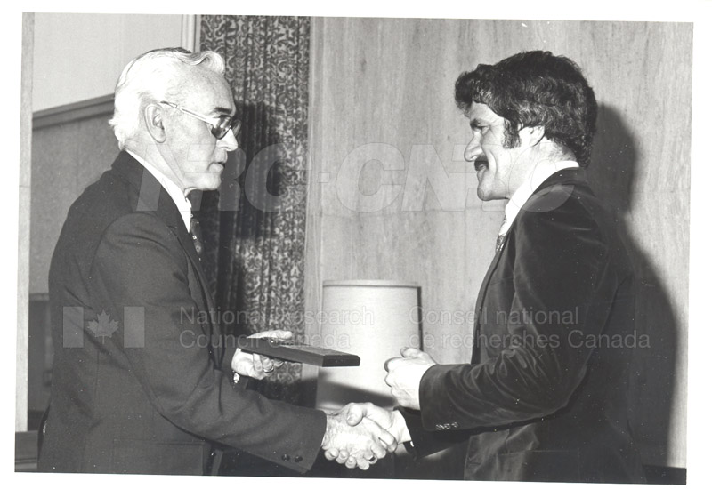 25 Year Service Plaques Presentations 1981 043