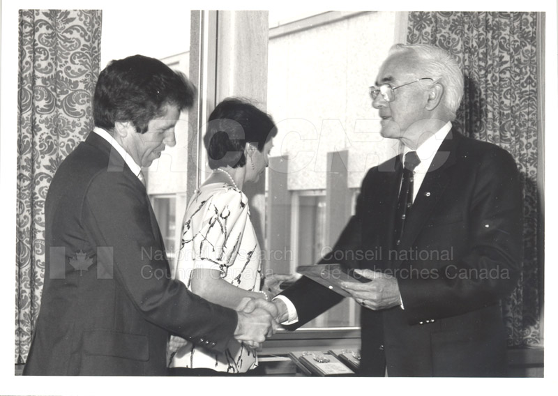 25 Year Service Plaque Presentations May 1985 008