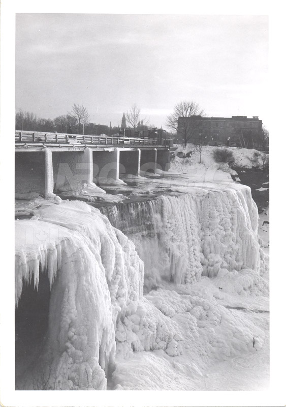 ICE Spring Breakup 1959 005