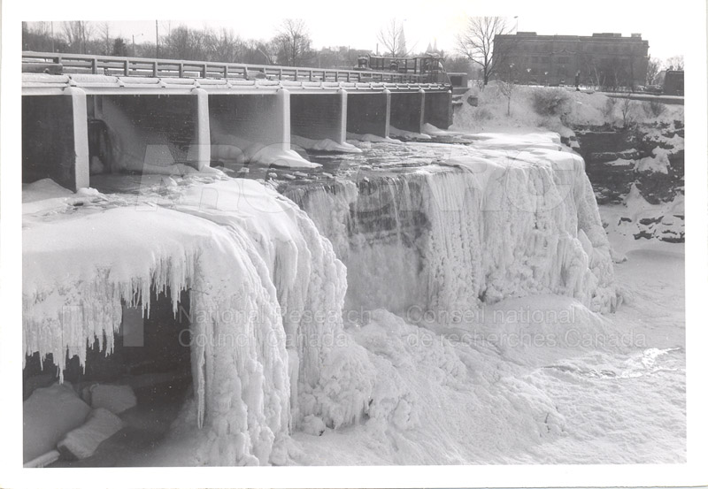 ICE Spring Breakup 1959 004