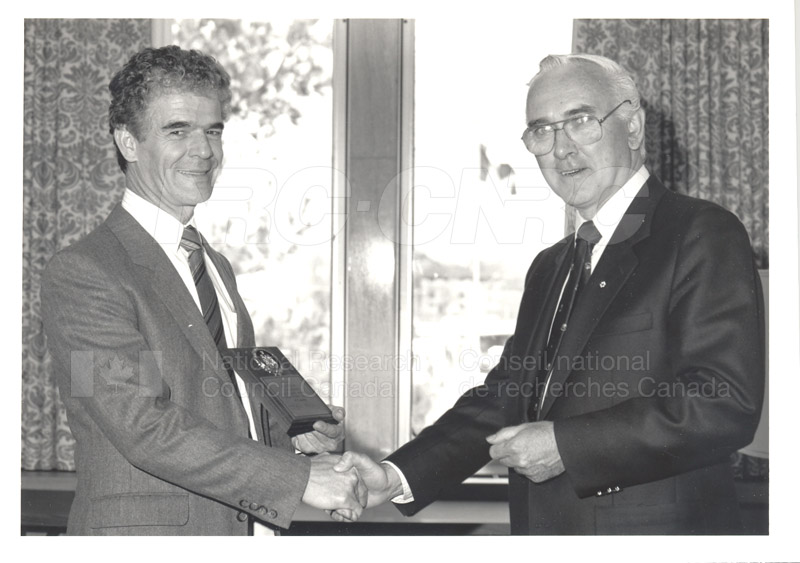 25 Year Service Plaque Presentations May 1985 002