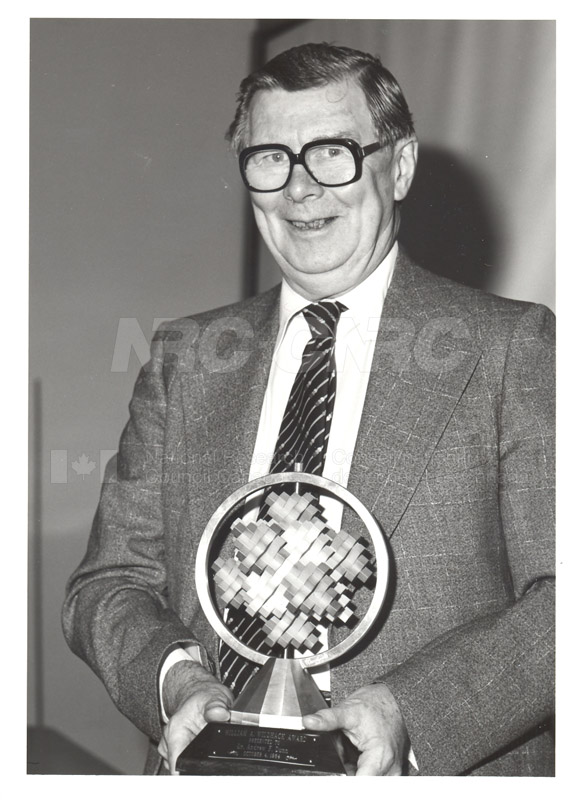 Dr. Andrew F. Dunn (Physics)- William A. Wildhack Award Presented by the National Conference of Standards Laboratories 1984 002