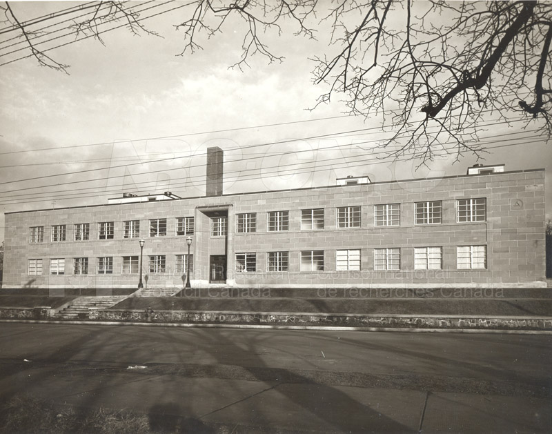 The Building- Exterior Views 1950-1968 002