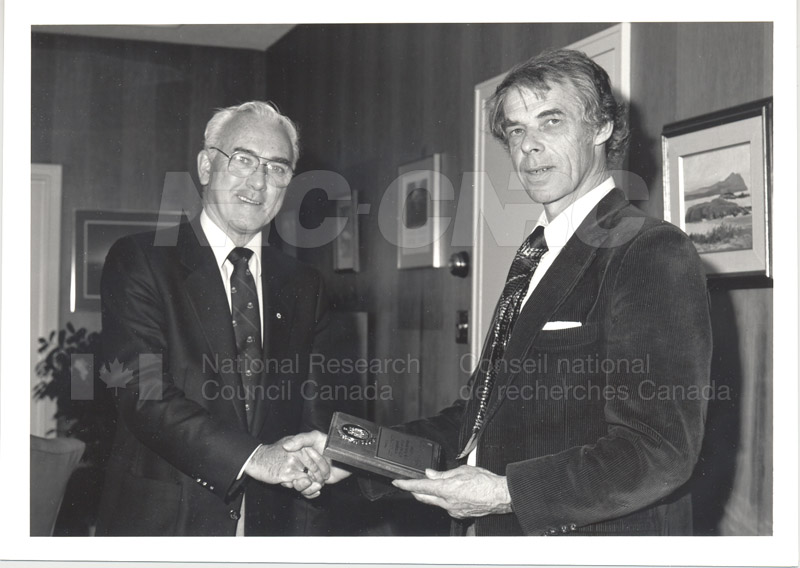 25 Year Service Plaque Presentations May 1985 001