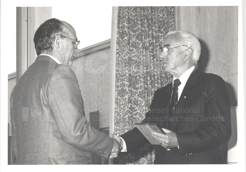 25 Year Service Plaque Presentations May 1985 016