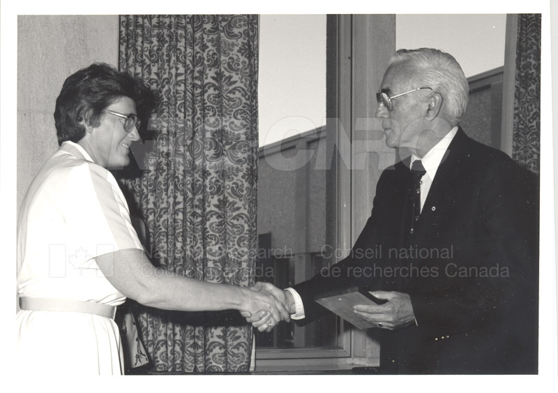 25 Year Service Plaque Presentations May 1985 017