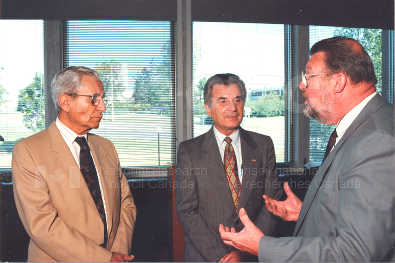 Canadian Society of Mechanical Engineering (CSME) honouring the Division of Mechanical Engineering 25 Aug. 1997 010